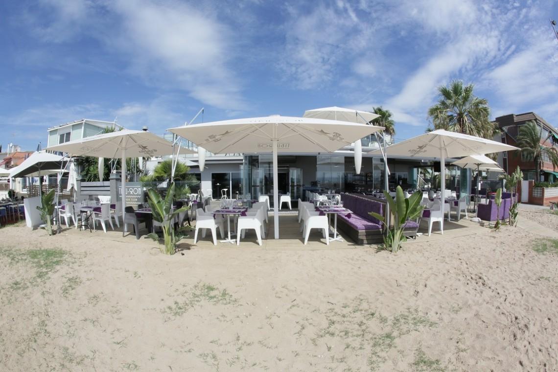 Tibu_ron Beach club