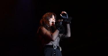 Camila Cabello cantando 'Never be the same', una de las canciones de su álbum debut 'Camila'. Fotografía: Marta Cusidó